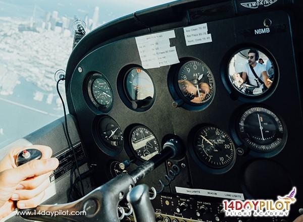commercial pilot vs private pilot salary, commercial pilot, private pilot salary